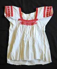 Nahua Blouse Puebla Mexico (Teyacapan) Tags: puebla blusa nahua blouses camisa textiles clothing ropa huilulco santacruzhuilulco ixtlahuac