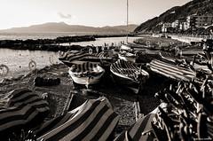 Chiavari (colto2011) Tags: barche barchette entella ligure liguria rimessa bw mare spiaggia