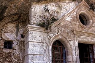 Monastère en ruine