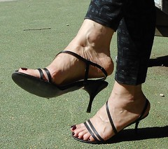 San Marina sandal 10 (lola itchiludo heels) Tags: chaussure scarpe feet feets fetish foot footfetish heels mules toenails pied pieds pie pies sandal sandals sandale sandalia sandalias sexy shoeplay shoes stiletto tacone tacones talon zapato toes sandaletten fuss fetichisme dandling