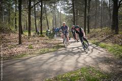 Sunday ride 1: different level (Hubert - Fotocollectief2020 (Belgium)) Tags: blauw