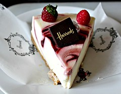 Easter indulgence (Peter Denton) Tags: harrods cheesecake indulgence food dessert canoneos60d ©peterdenton red