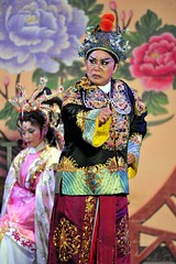 (sonnarsa) Tags: opera f56 nikkor f4 teleconverter highiso tc14eii  14x   iso6400 taiwaneseopera  200400mm stageperformance vrii       folkopera   2014     kuaahi