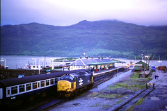 37414 Kyle of Lochalish (Buzz688) Tags: kyle oct 1988 railway crewe works heavy 1985 inverness preservation overall weardale 37287 37414 lochalish