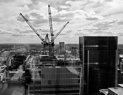 P8062860-B&W (stephen benson) Tags: skyline cranes docklands barclays 1churchillplace 1cp