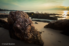 Desaru rock during low tide (Ismail Ben Ibrahim) Tags: beach sunrise sand step malaysia desaru desary