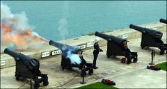 cannon fire, Gun Nr. 5 (tor-falke) Tags: europa europe gun sony hauptstadt ngc malta cannon capitale valletta kanone mittelmeer cannonfire landeshauptstadt sonyalpha alpha200 kanonenschus torfalke flickrtorfalke salutirebatterie kanonenschusmalta