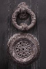 Marteau de porte - Cadaqus, Espagne (de Provence et d'ailleurs) Tags: de porte espagne fer cadaques marteau rouill heurtoir