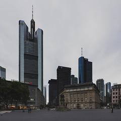frankfurt skyline #3 (marcuslange) Tags: park skyline skyscraper canon eos frankfurt wideangle tokina ultrawide commerzbank hochhaus ultrawideangle 60d tokina1116mm canoneos60d tokina1116 eos60d commerzbankheadquater
