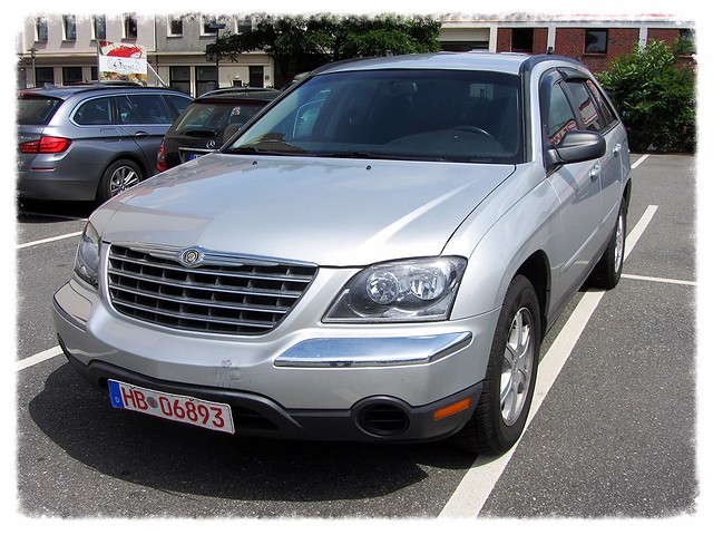 auto car automobile automotive voiture chrysler pacifica mpv wagen pkw monospace worldcars