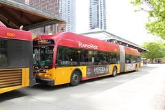 2011 New Flyer DE60LFR #6021 (busdude) Tags: county new bus flyer king ride metro transit motor hybrid society rapid mbs kingcountymetro newflyer seatttle rapidride de60lfr motorbussociety