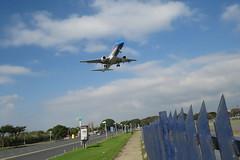Baja, baja (adrian_63) Tags: plane fly buenosaires departure landed costanera avion norte aviones aterrizaje despegue aeroparque republicaargentina