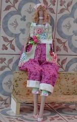 TILDA JARDINEIRA (gata arteira by cris) Tags: bonecas tilda decorao presentes tildas jaridneira