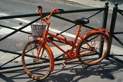 Orange Bike (eross_flickr) Tags: leica city urban orange paris colors bike paint colours 28mm rangefinder m8 voigtlnder ultron leicam8