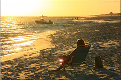 a glass of wine (Bernergieu) Tags: florida sunset beach waterside light sea ocean people boat