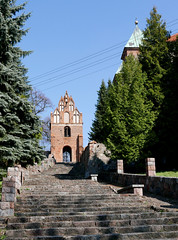 Up to the old tower (roomman) Tags: 2017 poland mazowiecki kampinos national park nature landscape country countryside cyerwinsk nad wisla cyerwinsknadwisla church monastery salezian salezians tower