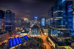 Kowloon Bay, Hong Kong (mikemikecat) Tags: kowloonbay hongkong nightscape night road building twilight cityscapes carlzeiss fe1635mm sel1635z a7r sony street urban 夜景 建築 城市 hdr skyline industrial 九龍灣 megabox
