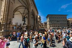 Tourists in front of Loggia dei Lanzi (Susanna Siu) Tags: loggiadeilanzi travel traveleurope travelitaly florence fierence canon5dmarkll canonef1635mmf28liiusm canon