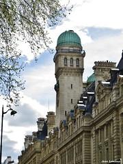 Observatoire de la Sorbonne (JeanLemieux91) Tags: observatoire université sorbonne tour tower torre arbres trees árboles paris îledefrance france avril april abril primavera printemps spring 2017