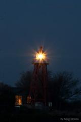 Lighthouse Stavoren (Hondentrimsalon-Warber) Tags: lighthouse vuurtoren harbour haven ijselmeer lake fire house blue bluehour