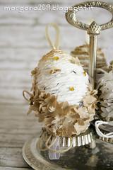 OvetteShabby_07w (Morgana209) Tags: ovetti uova decorazione shabby easter pasqua riciclo cartadapacco sacchettodelpane fiorellini perline fattoamano handmade diy creatività riciclocreativo recupero