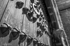 Spain - Cordoba - Hinojosa del Duque - Iglesia de San Juan (Catedral de la Sierra) (Marcial Bernabeu) Tags: marcial bernabeu bernabéu spain españa andalucia andalucía andalusia cordoba córdoba hinojosa duque hinojosadelduque igleisa church catedral cathedral sierra san juan sanjuan door puerta old antique contrapicado