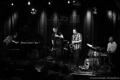Eric Revis Quartet feat. Ken Vandermark (jazzfoto.at) Tags: wwwjazzfotoat wwwjazzitat jazzitsalzburg jazzitmusikclubsalzburg jazzitmusikclub jazzfoto jazzfotos jazzphoto jazzphotos markuslackinger jazzinsalzburg jazzclubsalzburg jazzkellersalzburg jazzclub jazzkeller jazzit2017 jazz jazzsalzburg jazzlive livejazz konzertfoto konzertfotos concertphoto concertphotos liveinconcert stagephoto greatjazzvenue greatjazzvenue2017 downbeatgreatjazzvenue salzburg salisburgo salzbourg salzburgo austria autriche blitzlos ohneblitz noflash withoutflash sw schwarzweiss blackandwhite blackwhite noirblanc bianconero biancoenero blancoynegro sonyalpha sonyalpha77ii alpha77ii sony
