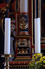 Rinteln, Niedersachsen, Nikolaikirche, altar, detail (groenling) Tags: rinteln niedersachsen deutschland germany de nikolaikirche altar retable altaraufsatz wood carving woodcarving holz angel engel cherub putto pillar