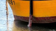 Yellow hull - Portsall (patrick_milan) Tags: bateau ship boat voilier pêche sailing fishing iroise ocean port harbour quay quai buoyant buoy tugboat saariysqualitypictures hull bow rope cordage aussière accastillage bouée flotteur hublot porthole bout taquet latch poulie pulley réa palan cloche bell hawser compass hélice propeller rudder safran gouvernail snap hook mousqueton manille oarlock shackle ring anneau plouguin ploudalmezeau portsall kersaint landunvez landeda lannilis treglonou saintpabu pabu abers finistère brittany bretagne bzh saintrenan renan lanildut aberwrach lampaul plouarzel breles