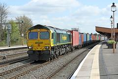 66590 Class 66/5 locomotive (Roger Wasley) Tags: 66590 class 66 lowemission locomotive freightliner leamington spa station warwickshire southampton lawley street trains railways uk gb freight