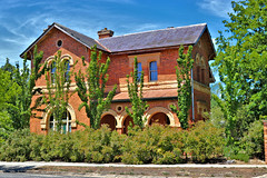 Grand House (IDH Mackinnon) Tags: skipton town country rural regional victoria victorian australia australian aussie id hearn mackinnon 2017 photographer photos photograph picture image travel tourism tourist brick architecture architectural colonial era 19th nineteenth century 1800s grand mansion