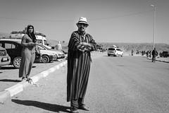Zagora Sunday Market (toletoletole (www.levold.de/photosphere)) Tags: bw fujixt2 marokko portrait porträt sw zagora market markt