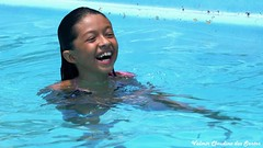 Happiness (VCLS) Tags: vcls happy feliz felicidade happiness água water brasil brazil criança child menina girl joy alegria valmir valmirclaudinodossantos foto fotografia picture cute life smile sorriso fun candid
