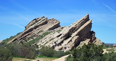 Vasquez Rocks (cookiepuss76) Tags: california climbing rock vasquezrocks aguadulce outdoors nature hiking exercise healthy sharpangles angle