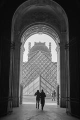Louvre arch (aylmerqc) Tags: paris france muséedulouvre thelouvre louvre gallery museum art beauxarts blackandwhite bw