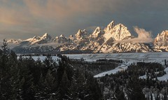 grand Tetons sunrise (Tanner Wendell Stewart) Tags: landscape nikon nw northwest snakeriver pacificnorthwest grandtetons pnw dailyphoto jacksonhole anseladams a21 thegrandtetons 2013 365project snakerivergrandtetons todaymightbe snakeriveroutlook 365photography 365dailyphoto 365dailyproject a21campaign 3652013 thea21campaign shoottheskies 2013365 365project2013 2013365project tannerwendellstewart tannerwendllstewart tannerwendell shoottheskies2013 3652013shoottheskies thea21campaign2013 365dailyphotography 3652013dailyphoto grandtetonsmilkyway