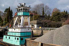 Island Breeze tugboat (Northwest dad) Tags: seattle island 1 washington nikon m wa locks tugboat ballard f18 breeze barge j1 hiram chittenden 185mm