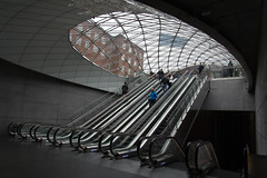 Escalators Triangeln (Goran LZW) Tags: sweden railwaystation malmoe escalators malm d600 triangeln 2485 rulltrappor nikkorafs24853545gedvr