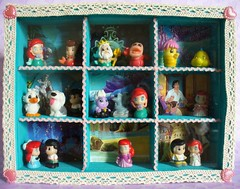 My Little Mermaid Squinkies display box - with glass lid (redmermaidwerewolf) Tags: ariel toys book miniature eric display little pages box mini compartment shelf mermaid ursula figures the squinkies