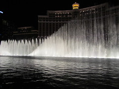 Bellagio fountains lose something in still pics