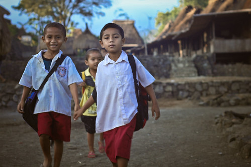Children from Bena going to school