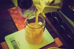 Le miel coule a flot ... (liryc30) Tags: light color yellow jaune nikon lumire couleurs sigma bio fluid pot honey miel liquid artisanal verre liquide nikond3200 brillant d3200 cologique