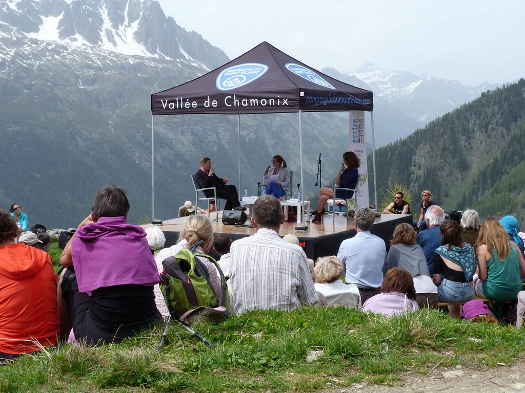 2014 - Maylis de Kerangal La quatorzième édition des Rencontres littéraires en Pays de Savoie s'est déroulée le 7 juin 2014 à Chamonix. Invitée d'honneur : Maylis de Kerangal en compagnie de Jean Echenoz et Miguel Bonnefoy.
