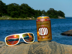 Tuesday, July 8th (Basse911) Tags: sea summer water beer sunglasses rock suomi finland island cerveza july can hanko bier nordic juli birra burk lager archipelago sommar kes l olut olvi heinkuu hang purkki gunnarsren