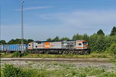 P1690592 (Lumixfan68) Tags: blue tiger eisenbahn 250 bombardier loks v330 baureihe dieselloks hvle sechsachser