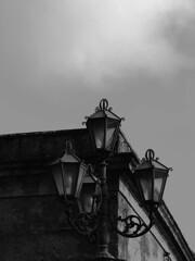 Lampione - Erice (Vitto P.) Tags: bw italy e sicily bianco nero sicilia erice lampione trapani trinacria