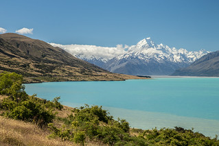 En pédalant vers le mont Cook / Pedalling towards Mount Cook