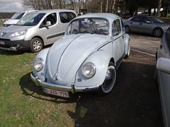 VW COX (Jack 1954) Tags: voiture car vw volkswagen paysage landscape ancêtre classiccar