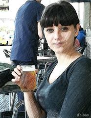 PicSketch (Franco D´Albao) Tags: francodalbao dalbao huaweip8lite2017 retrato portrait yasmina lápiz pencil mujer woman cerveza beer efecto effect procesado processing