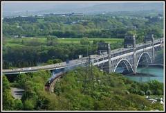 Britannia Bridge - 2012. (peterdouglas1) Tags: britanniabridge menaistraits marquisofanglesey gwr 4965 roodashtonhall 5043 earlfmountedgcumbe